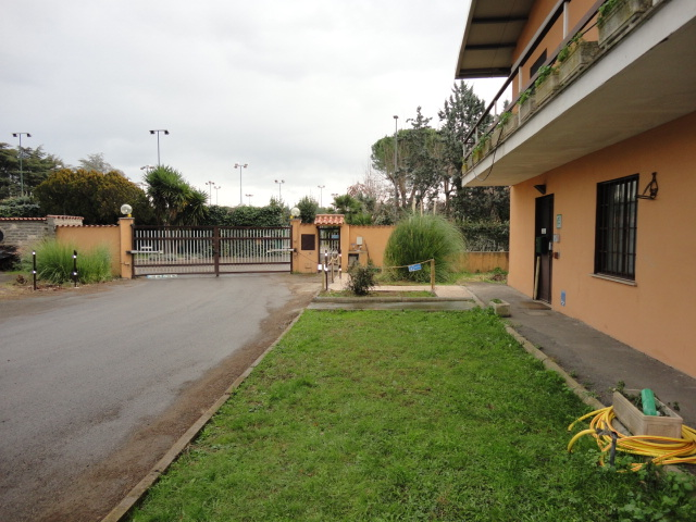 Eur - Vallerano Via Ermete Zacconi - ufficio