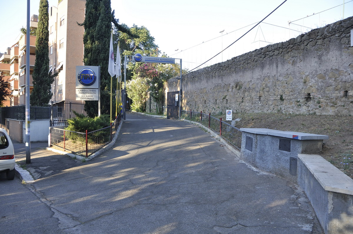 COLLI ANIENE - ATTIVITA' CARROZZERIA  E LOCALI