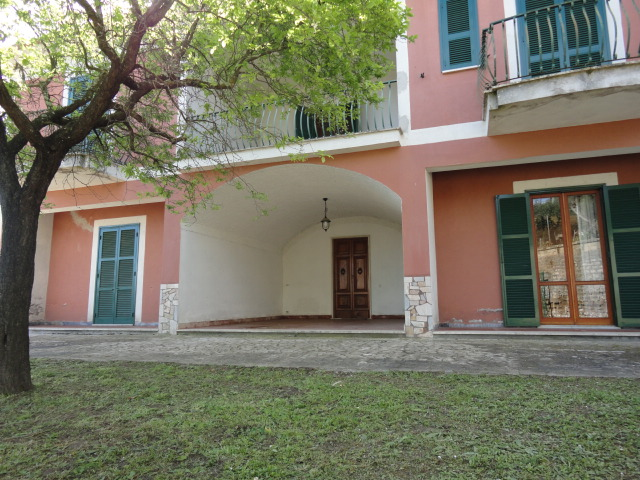 Villa padronale - via Morosato - Ponzano Romano