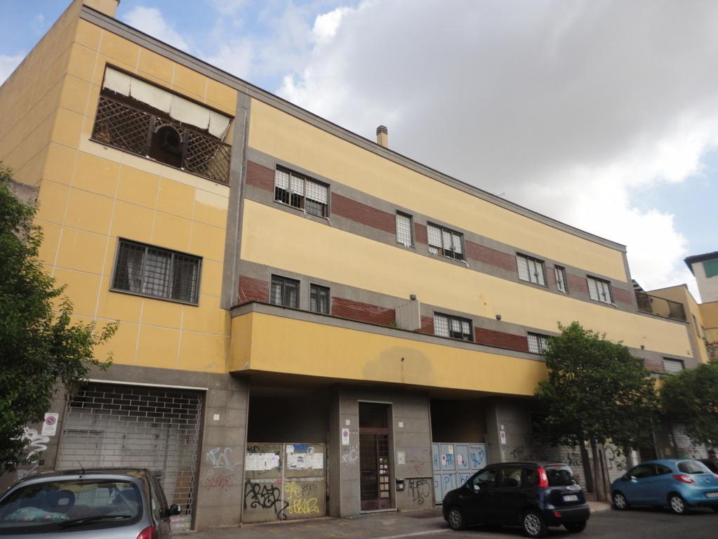 Furio Camillo – Ponte Lungo –  ufficio + box