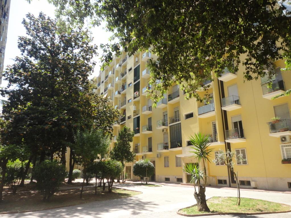 Tuscolana - Via valerio flacco  - nuda proprieta'